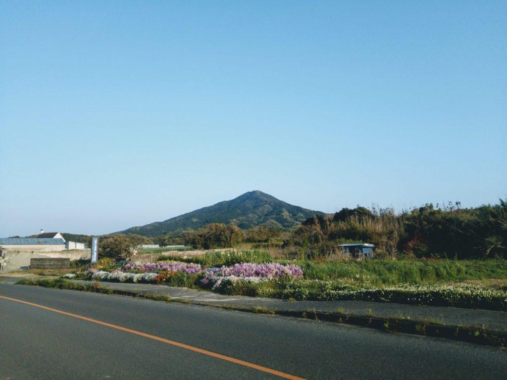 志摩中から見た可也山