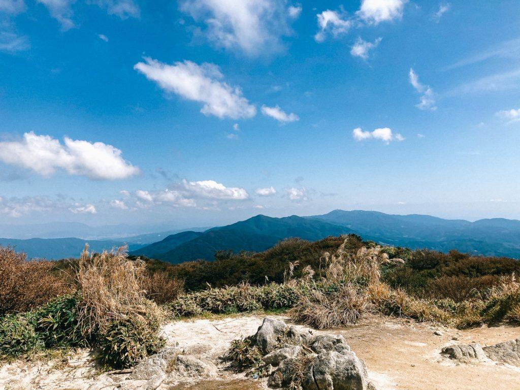 井原山から脊振を望む