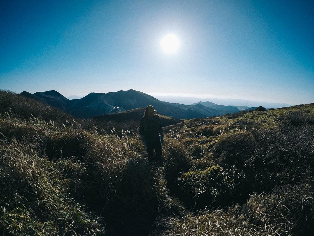 三俣山の縦走路